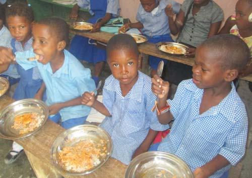 Cantine scolaire de l'école St Alphonse de Fourgy à Haïti