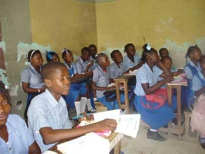Classe de l'école de Fourgy en Haïti