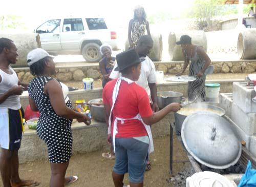 Cuisine en plein air en Haïti