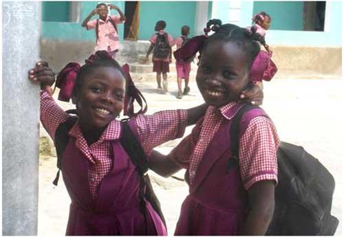 Ecolières de l'école St Alphonse à Cité Soleil en Haïti