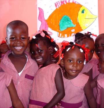 Enfants de l'école St Alphonse de Cité Soleil en Haïti