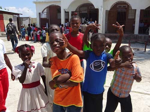 Enfants de Cité Soleil en Haïti