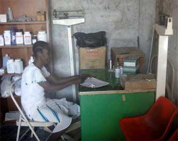 L'infirmerie de fortune de l'école St Alphonse de Cité Soleil en Haïti