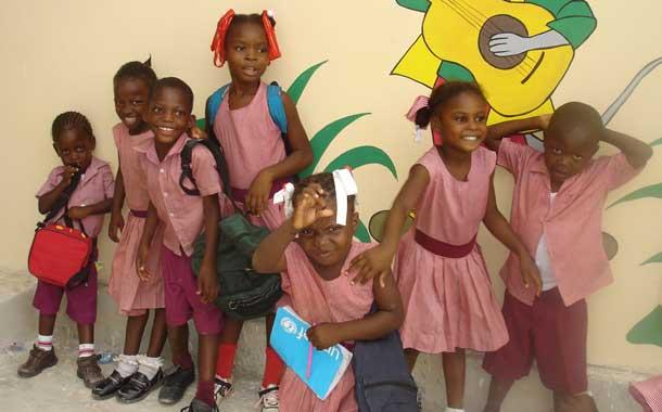 La joie des enfants du Préscolaire à l'école de Cité Soleil en Haïti