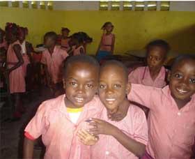 Classe maternelle de l'école St Alphonse de Cité Soleil à Haïti