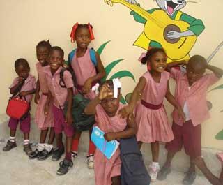 Enfants de la section Préscolaire - Ecole St Alphonse, Cité Soleil, Haïti