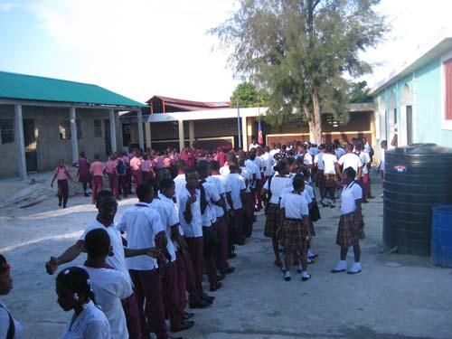 Rentrée scolaire à l'école St Alphonse de Cité Soleil en Haïti
