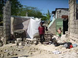 Maison détruite à Port au Prince après le séisme du 12 janvier 2010 en Haïti