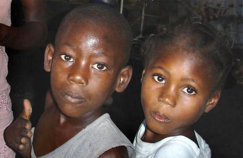 Manifestation de la misère dans le bidonville de Cité Soleil en Haïti
