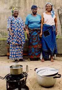 Une cantine pour les enfants de la rue au centre Ndako Ya Biso à Kinshasa