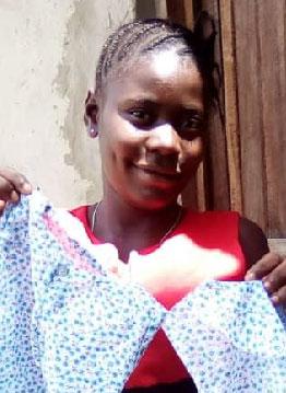 Edwige, fille des rues de Kinshasa apprentie couturière