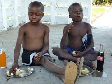 Ndako Ya Biso, repas des enfants des rues de Kinshasa