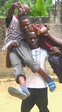 Yannick et ses copains de Ndako Ya Biso