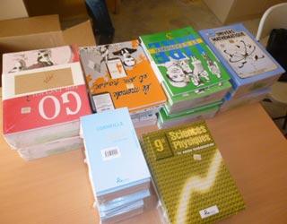Livres et manuels scolaires de la bibliothèque Vutegha au Nord Kivu, RD Congo