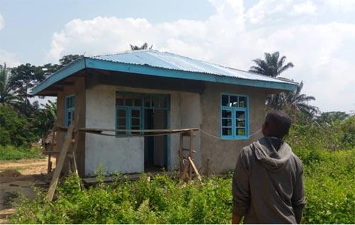 Le bloc administratif de l'école de Visiki en RDC est à présent terminée.