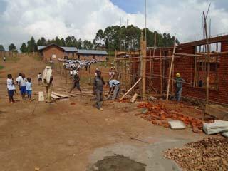 Chantier de construction de la bibliothèque Vutegha au Nord Kivu, RD Congo
