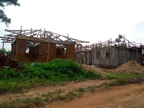 Le bloc administratif construit à côté de l'école de Visiki en RDC