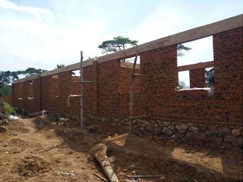 L'école de Visiki en RDC est prête à recevoir la charpente