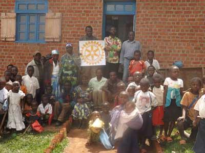 Les enseignants de l'école primaire Vutegha remercient le Rotary Club - Nord Kivu, RD Congo
