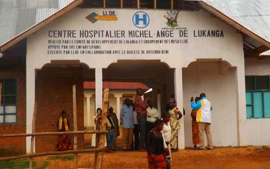 Opération de petite chirurgie au centre hospitalier de Lukanga au Nord Kivu, RD Congo