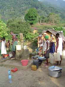 Communauté villageoise de Moya au Cameroun, le puits