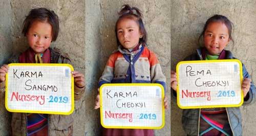 3 élèves de la Nursery de la Kula Mountain School à Tinje, vallée de Panzang dans le Haut-Dolpo au Népal