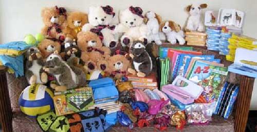 Cadeaux des parrains pour leurs filleuls du Népal