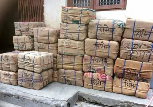 Colis de matériel scolaire pour l'école du Haut-Dolpo au Népal