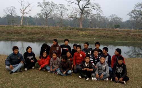 Groupe des enfants de Ting Kyu élèves à l'école Tibétaine de Katmandou au Népal