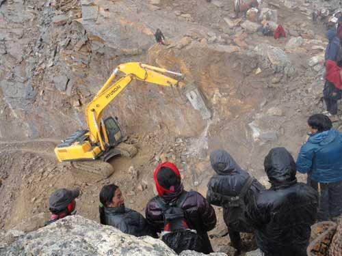 Construction de la route du Tibet au Népal