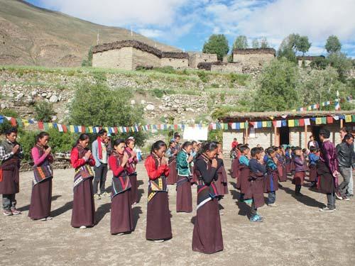 Rentrée scolaire à l'école de Shimengaon, Haut-Dolpo au Népal