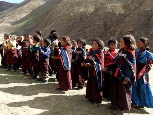 Enfants du Tibet, école de Ting Kyu au Népal