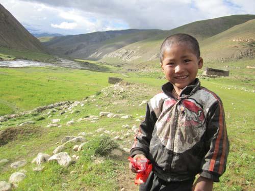 Enfant Tibétain de la vallée de Panzang dans le Haut-Dolpo au Népal
