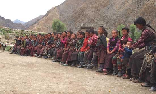 Enfants du Haut-Dolpo, enclave tibétaine au Népal