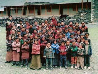 Enfants de l'école de Ting Kyu au Népal