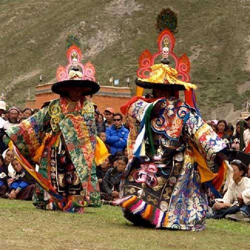 Festival religieux tibétain au monastère de Shey Gompa dans le Haut Dolpo au Népal