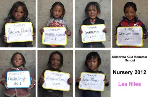Enfants du Tibet, les garçons de la nursery de l'école de Ting Kyu au Népal promotion 2012