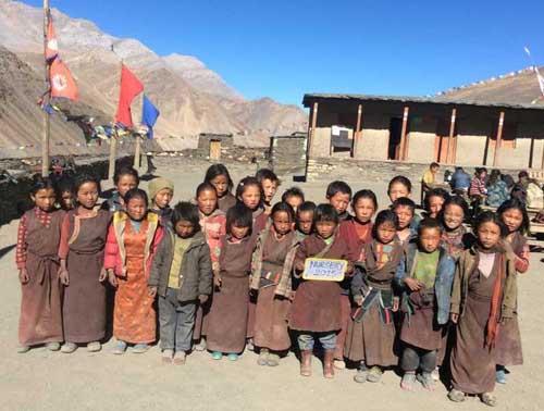 Les 26 enfants de la classe Nursery au Dolpo