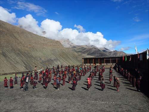 Rentrée scolaire de l'école de Shimengaon au Népal