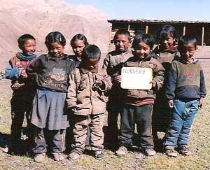 Ecole de Ting Kyu pour enfants Tibétains au Népal, classe Nursery