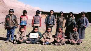 Ecole de Ting Kyu pour enfants Tibétains au Népal, classe 1