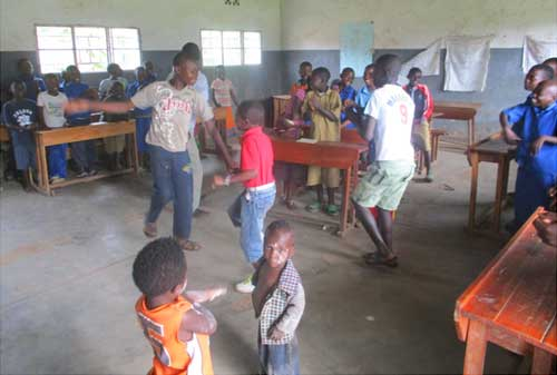 Activités de vacances pour les orphelins, les enfants des rues et tous les enfants vulnérables de Gisenyi au Rwanda