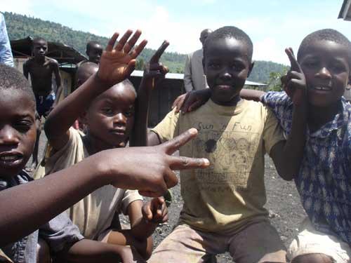 Enfants des rues du Point d'Ecoute de Gisenyi au Rwanda