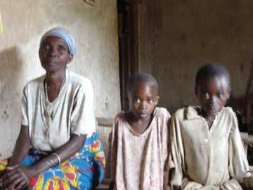 Famille d'orphelins du sida au Rwanda