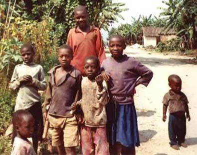 >Frarie d'orphelins du sida au Rwanda
