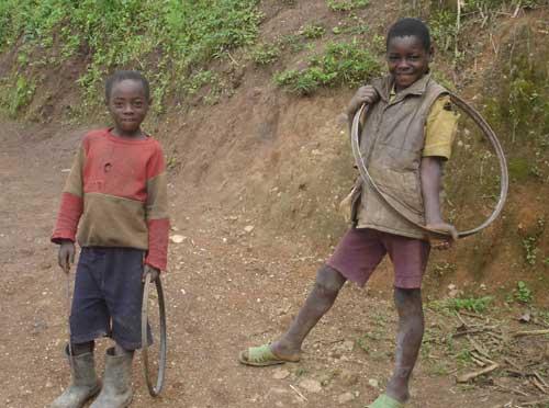 Les jeux des enfants des rues au Rwanda
