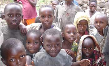 Jeunes orphelins du sida au Rwanda