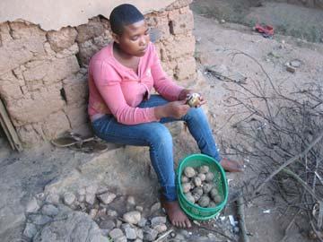 Préparation du repas du soir au Rwanda