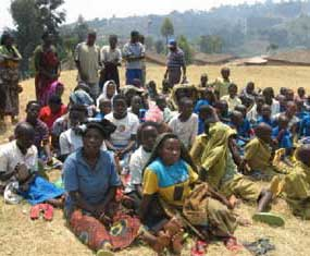 Rassemblement des orphelins du sida de la zone de Nyamyumba