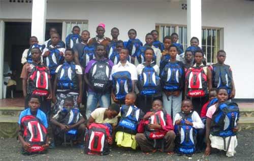 Distribution de fournitures scolaires aux collégiens pour la rentrée des classes 2013